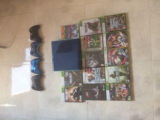X-box360, 4 mandos y 13 juegos