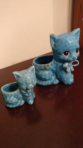 Gatitos de porcelana