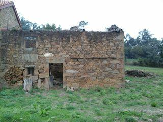 se vende casa de piedra con terreno