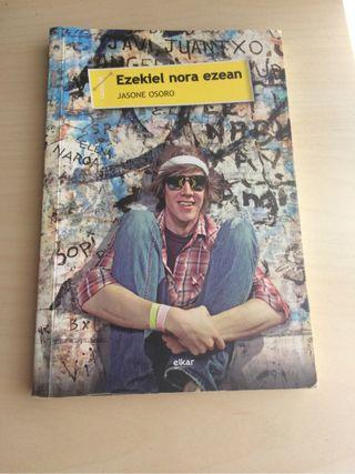 """Libro """"Ezekiel nora ezean"""""""