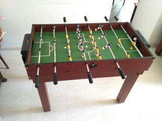 Multijuegos : futbolín, billar, tenis de mesa...