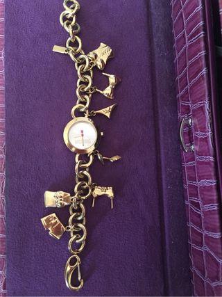 Reloj pulsera Moschino dorado!