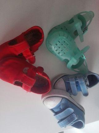 4 pares de zapatos bebé