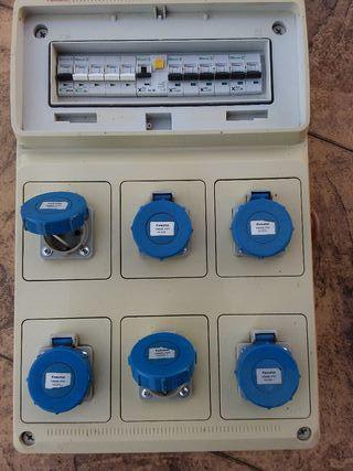 caja eléctrica de obra
