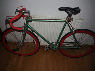 Bicicleta urbana restaurada