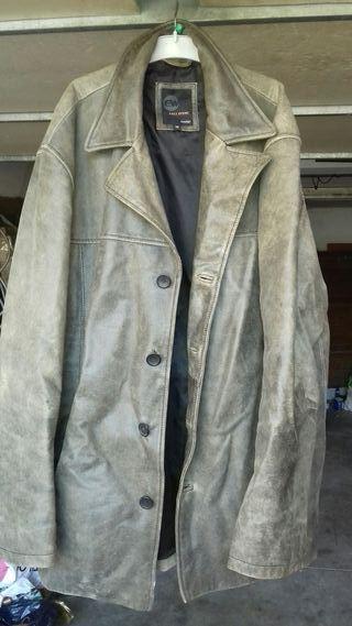 abrigo cuero