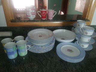 juego de Vajilla platos y tazas