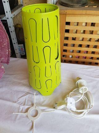 Lámpara Ikea verde