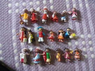 muñecos pvc familias del mundo