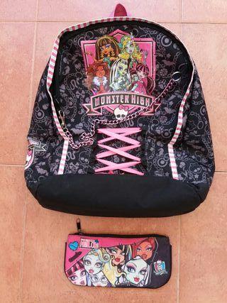 Mochila y estuche Monster High