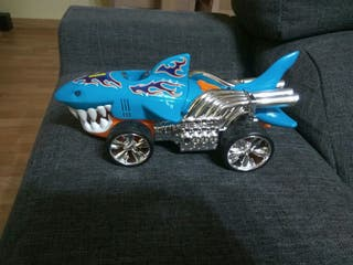 tiburón hot wheels
