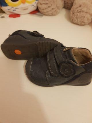 Zapatos Biomecanics Oscura
