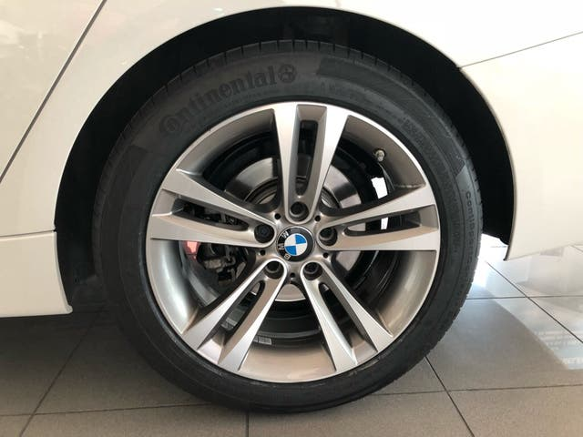 BMW 320d GT SPORT