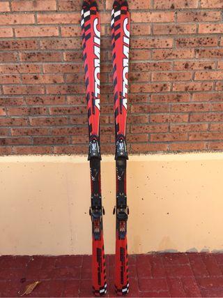 Tablas de ski nuevas