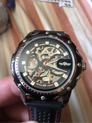 Se vende reloj automatico