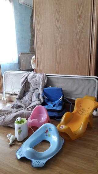 accesorios bebe para viaje, baño y cama.