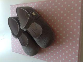 Zapato niña gris talla 22