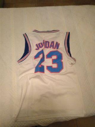 "Camiseta Jordan ""Space Jam"" sin usar. Talla M."