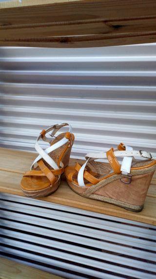 Cuñas, de Charo, zapatos