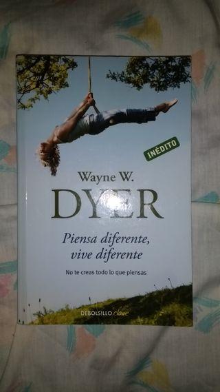 Libro: Piensa diferente , vive diferente.