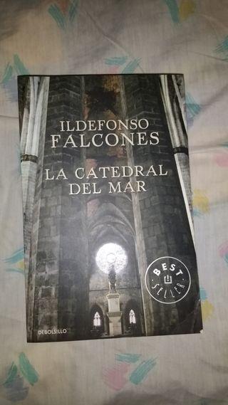 Libro : La Catedral del Mar. Best Seller.