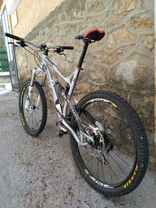 """Bicicleta Lapierre Zesty 314 Talla L, 26"""""""