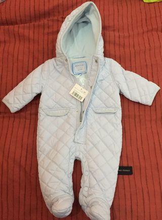 4 pijamas terciopelo bebe 0 a 3 m de segunda mano por 15 € en Madrid ... f689fd95814