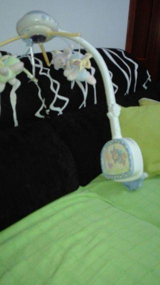 aparato para cuna de bebes