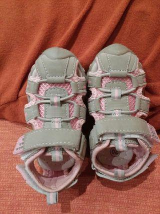 lote dos pares de sandalias