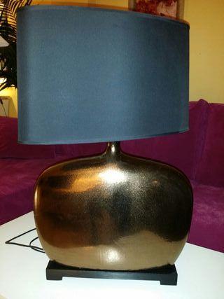 Lámpara de diseño. Muy bonita en perfecto estado