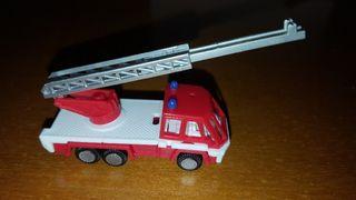 figura kinder camión de bomberos Ferrero antigua