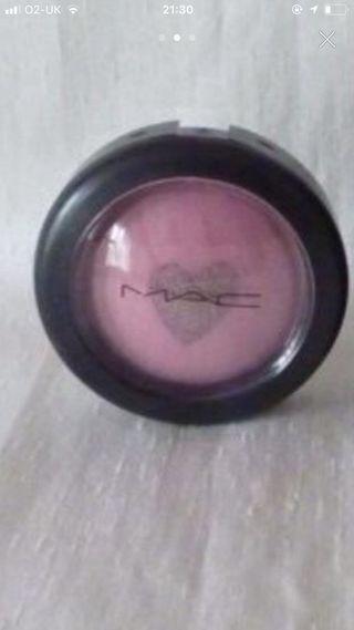 MAC blusher
