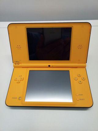 Consola Game Boy DSI XL amarilla
