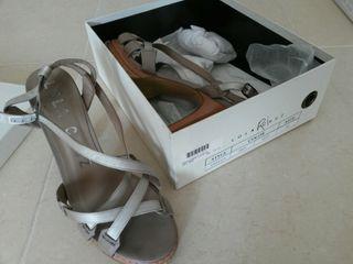 Zapatos de piel con tacon Lola Cruz 39