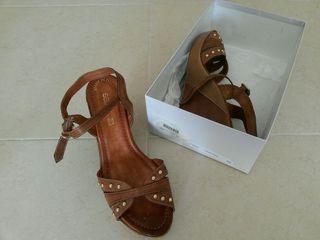 Zapatos 40 de piel con tacon