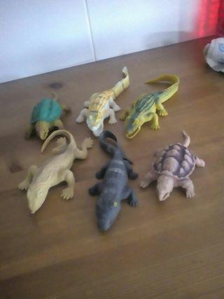 cocodrilos y tortugas de goma