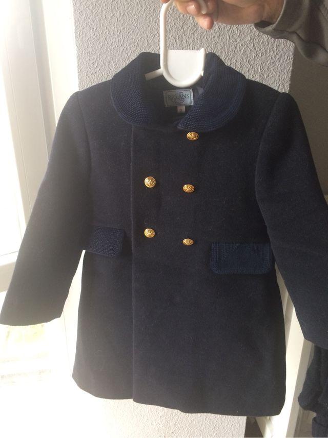 Abrigo niño vestir ruso de segunda mano por 70 € en Madrid en WALLAPOP 94864545eb87