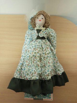 Muñeca de porcelana Fanas