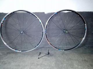 Bicicleta ruedas bontrager race