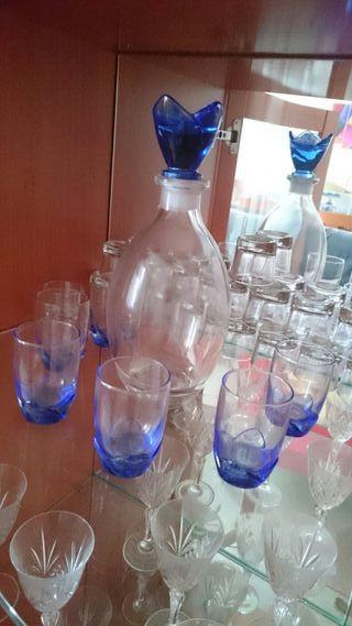 conjunto botella + vasitos