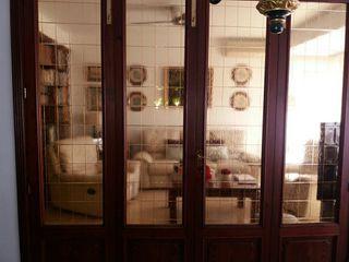 puertas con ventanales de cerezo en perfecto estad