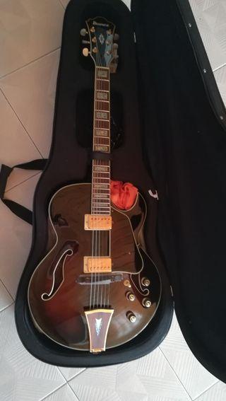 Guitarra eléctrica Ibanez AK95