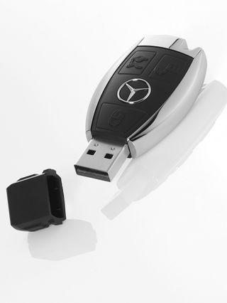 Llave USB Mercedes Benz 16gb