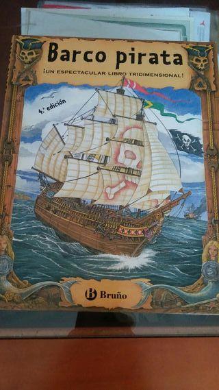 Libro barco pirata troquelado