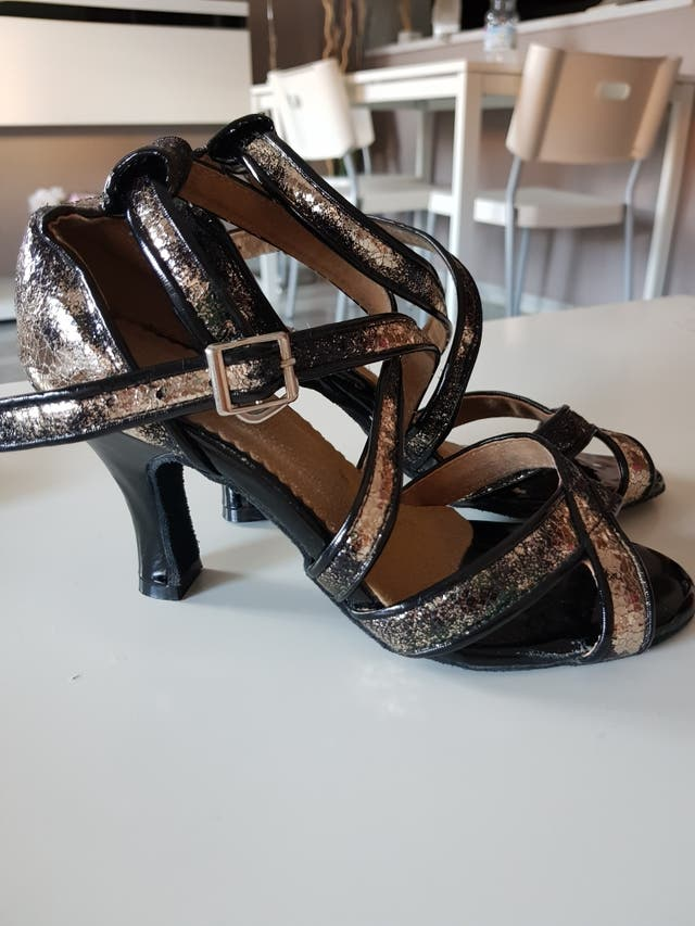 Zapatos de bailes latinos