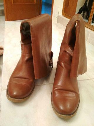 Botas de piel marrones