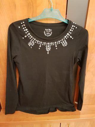 Camiseta negra con brillos nueva