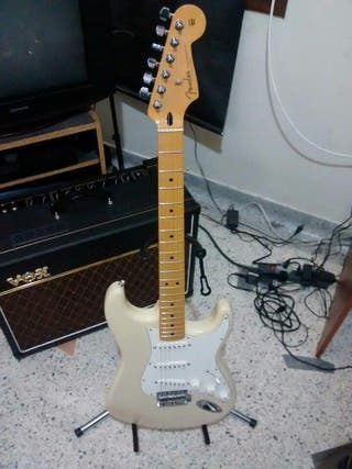 Vendo guitarra acustica taylor