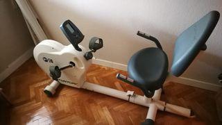 Bicicleta Tunturi estática reclinada profesional