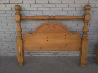 Espectacular cama de pino macizo